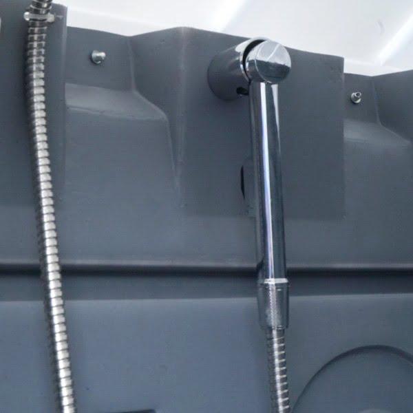 Туалетно-душевая кабина - туалет и душ 058