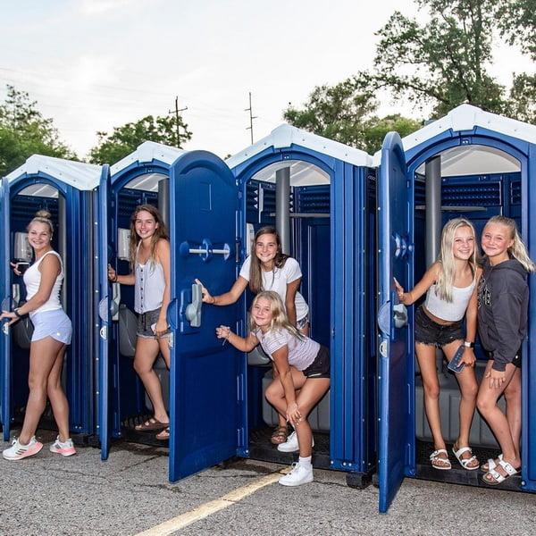 Туалетная кабина - биотуалет 0050