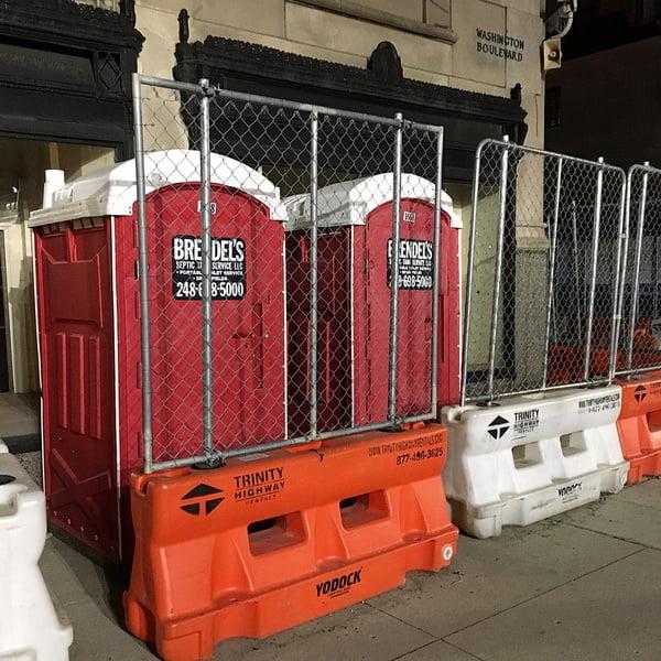 Туалетная кабина_J0105
