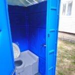 Туалетная кабина с баком 0002