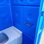 Туалетная кабина с баком 0005