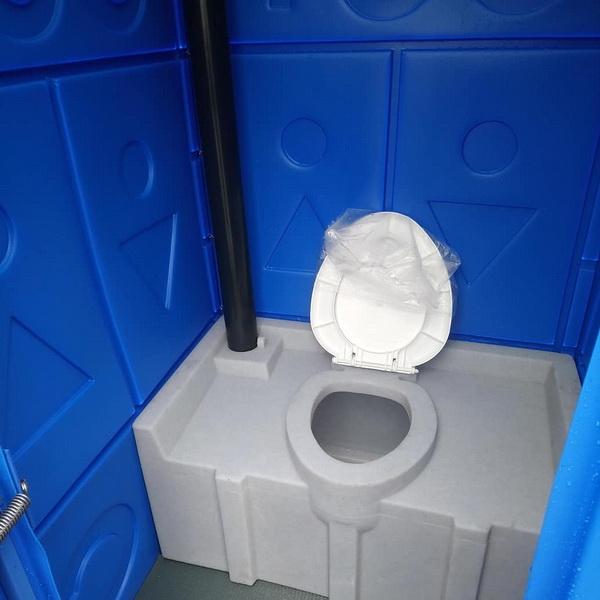 Туалетная кабина с баком 0008