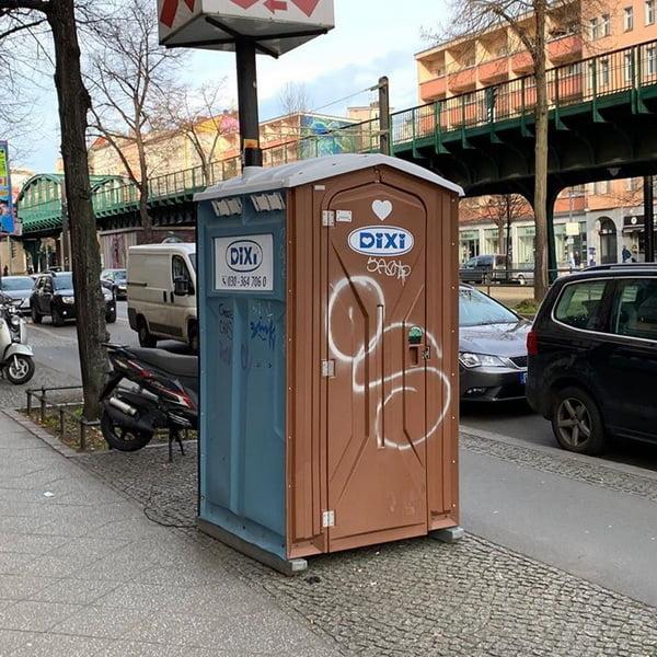 Туалетная кабина_J1282