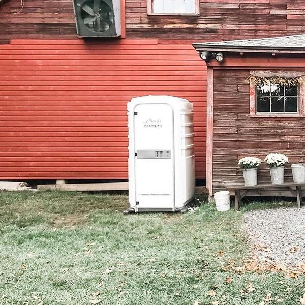 Туалетная кабина - биотуалет 0011