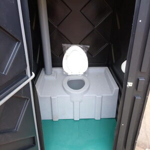 Туалетная кабина на стройку 018